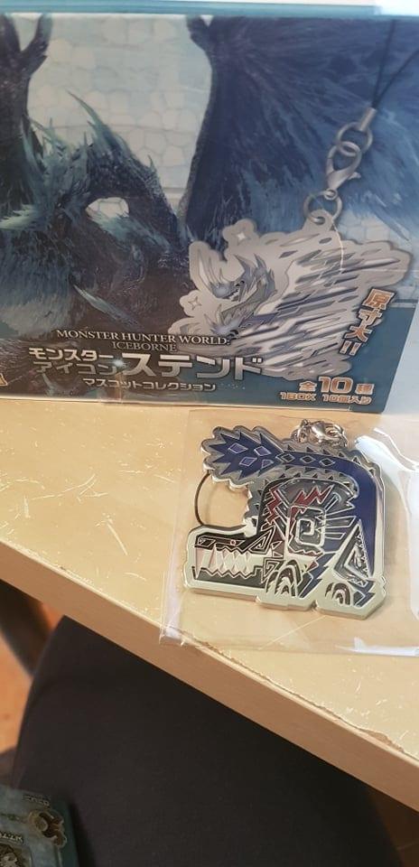 Monster Hunter World Iceborne  Icon Stained Glass Portachiavi in Metallo Odogaron di Ebano ( Capcom )