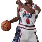 MAFEX-Michael-Jordan-1992-Team-USA-2