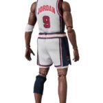 MAFEX-Michael-Jordan-1992-Team-USA-4