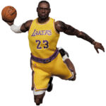 MAFEX-Lebron-James-Los-Angeles-Lakers-1